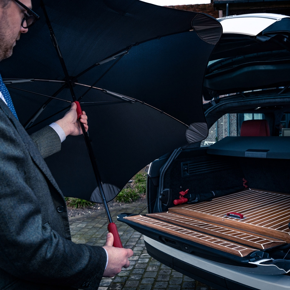 Umbrellas | colours and materials for coachbuilding